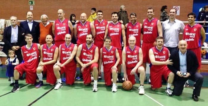 Los veteranos homenajearon a Chus Codina con un partidazo en Segovia