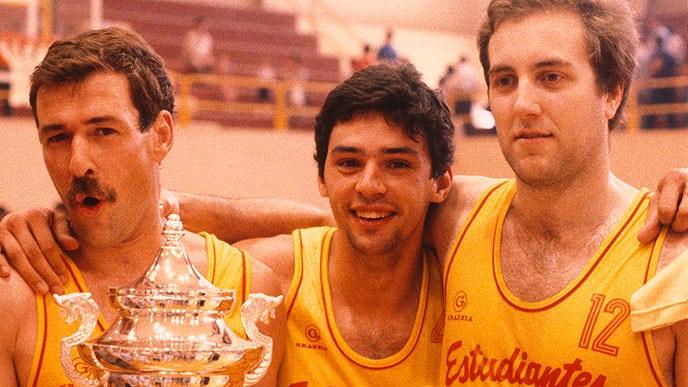 """Eterno Carlos Montes. El mundo del baloncesto se vuelca en el recuerdo del """"Saltamontes"""""""