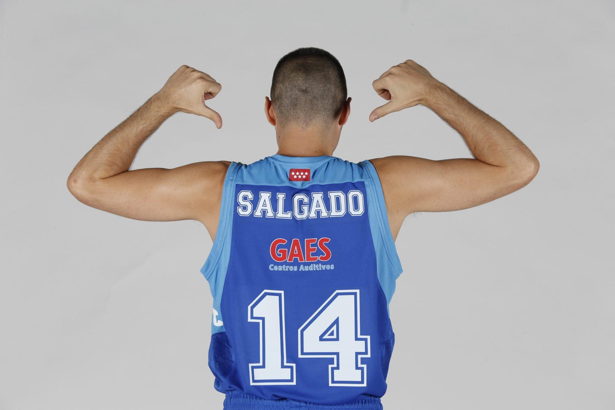 """Javi Salgado bate su récord personal de asistencias pero destaca que """"lo importante ha sido empezar ganando en casa"""""""