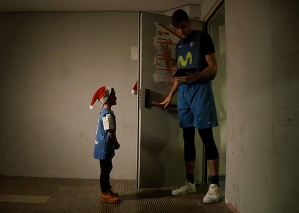 VÍDEO: ¿Qué le pide un niño de Movistar Estudiantes a Papá Noel?