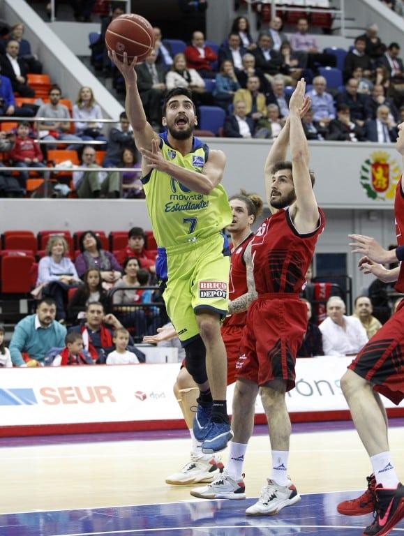 El rebote nos condena en Zaragoza (81-62)