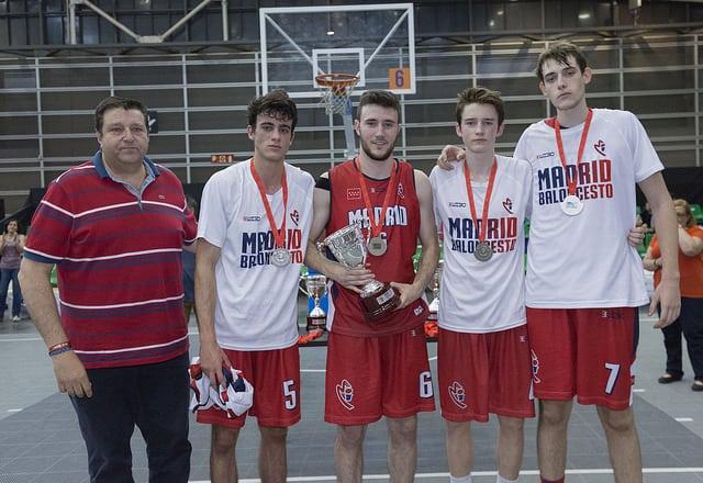 Amplia representación colegial en los Campeonatos de España Junior 3×3