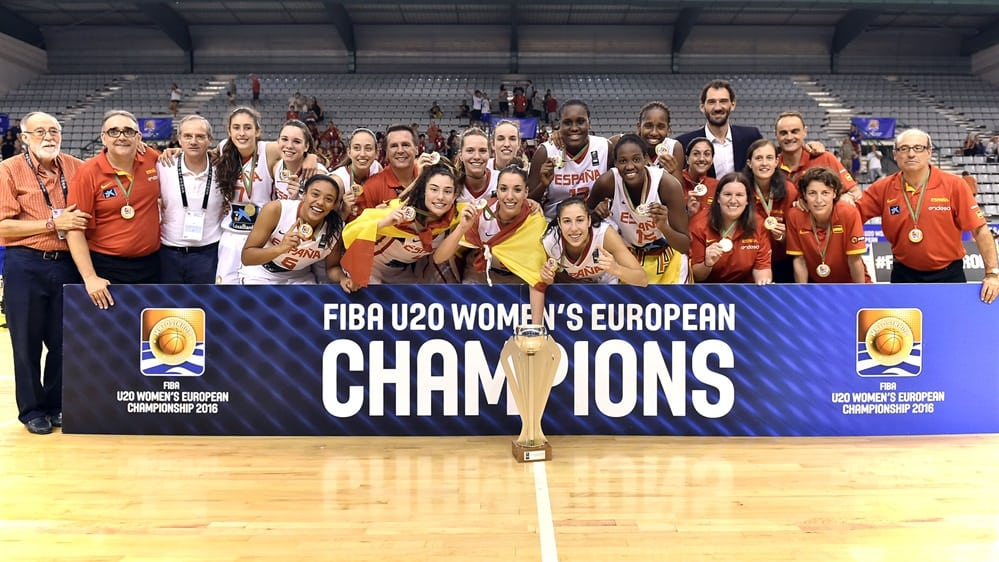 España U20 femenina, campeona de Europa con el estudiantil Nacho Martínez en el cuerpo técnico y la canterana María Conde destacando