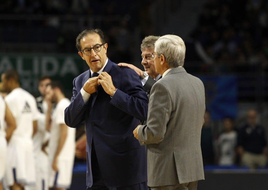 El ex presidente Juan Francisco García recibió la Isignia de Oro y Brillantes del Club