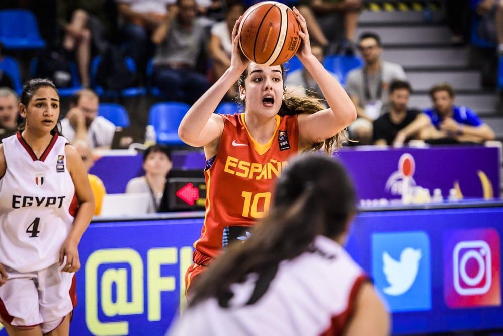 La España U19F de Paula Ginzo sabe sufrir para pasar como segunda a octavos del Mundial, donde espera la anfitriona