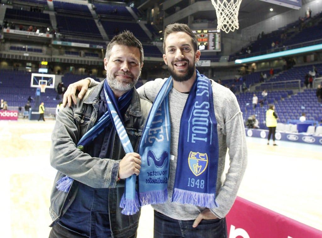 Quequé y David Broncano son quienes cosen las bufandas de Movistar Estudiantes